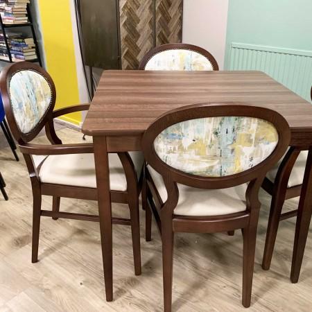 Odolo arm dining chair